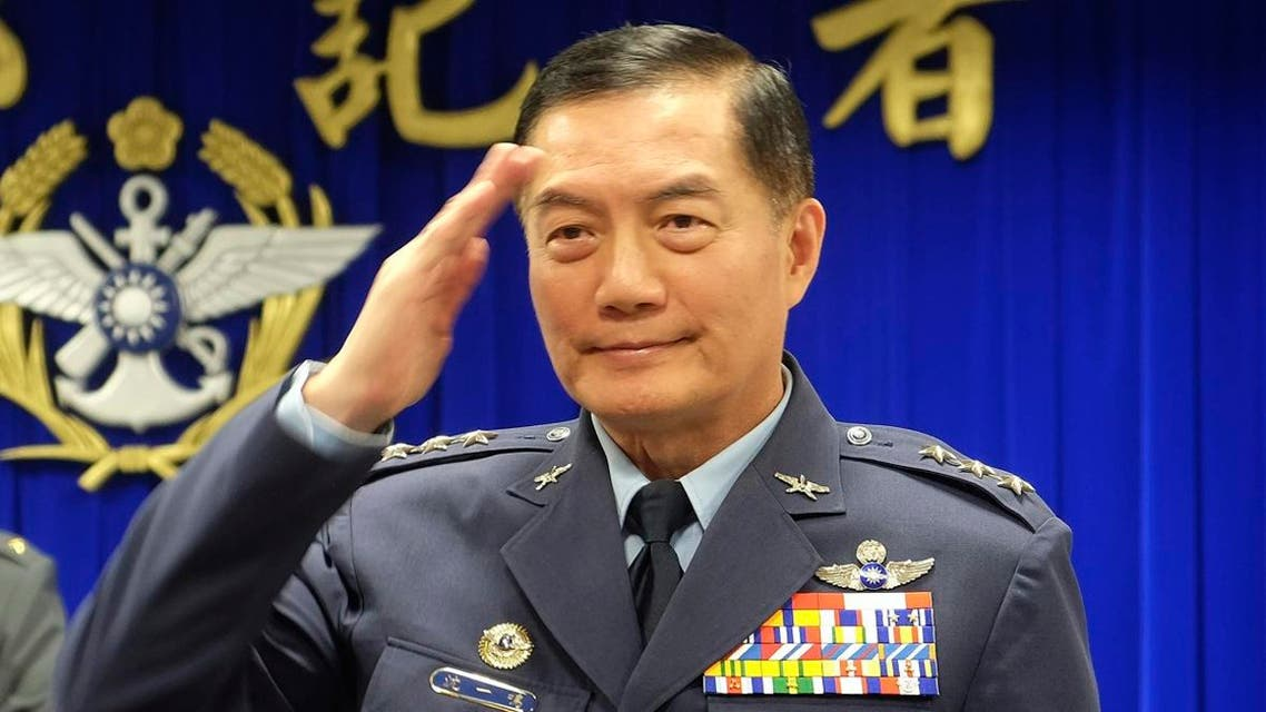 Taiwanese top military official Shen Yi-ming salutes as he is introduced to journalists during a press conference in Taipei, Taiwan. (File photo: AP)