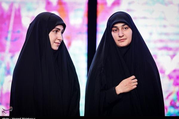 ابنة قاسم سليماني (يمين)