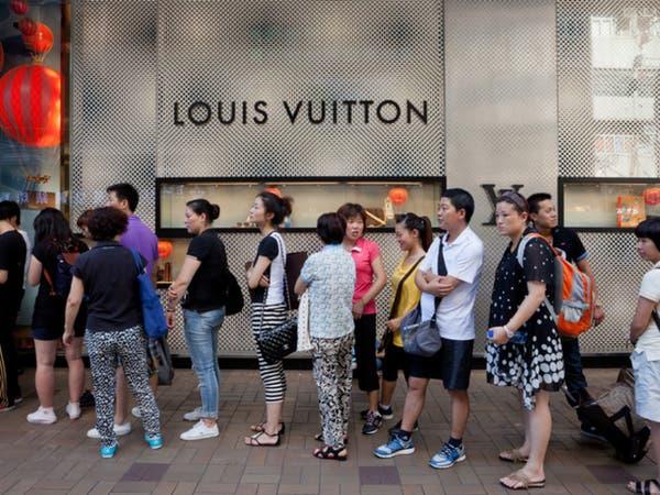 """علامة تجارية فاخرة تنسحب من """"هونغ كونغ"""".. بسبب التوترات"""