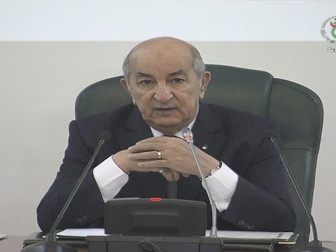 الرئيس الجزائري يرأس أول اجتماع لحكومة جراد