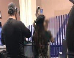 الصورة التي تم تداولها لبطمة وزوجها في المطار