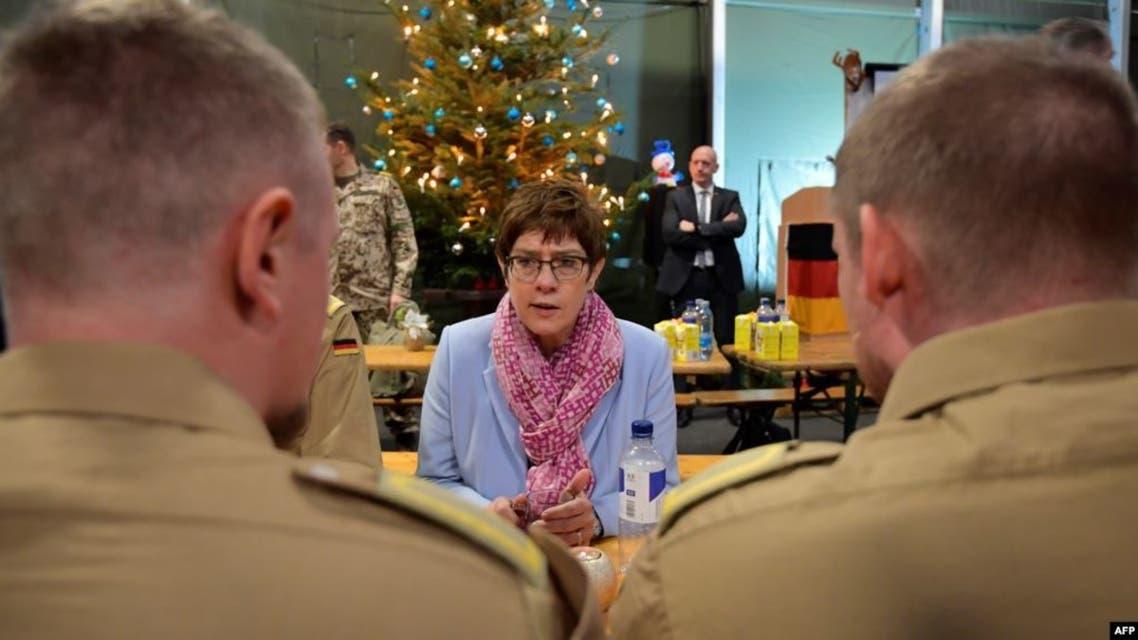 وزيرة الدفاع الألمانية آنيغريت كرامب كارنباور