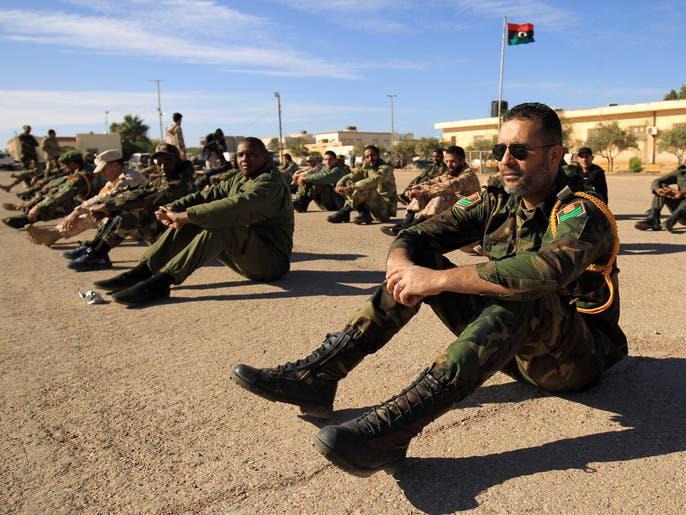 ليبيا.. معارك عنيفة حول طرابلس وكورونا يهدد البلاد