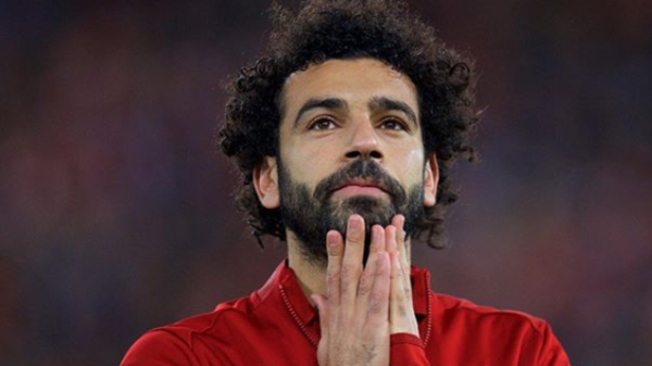 """شاهد هدية ليفربول لمحمد صلاح.. """"استمتع بالسحر"""""""