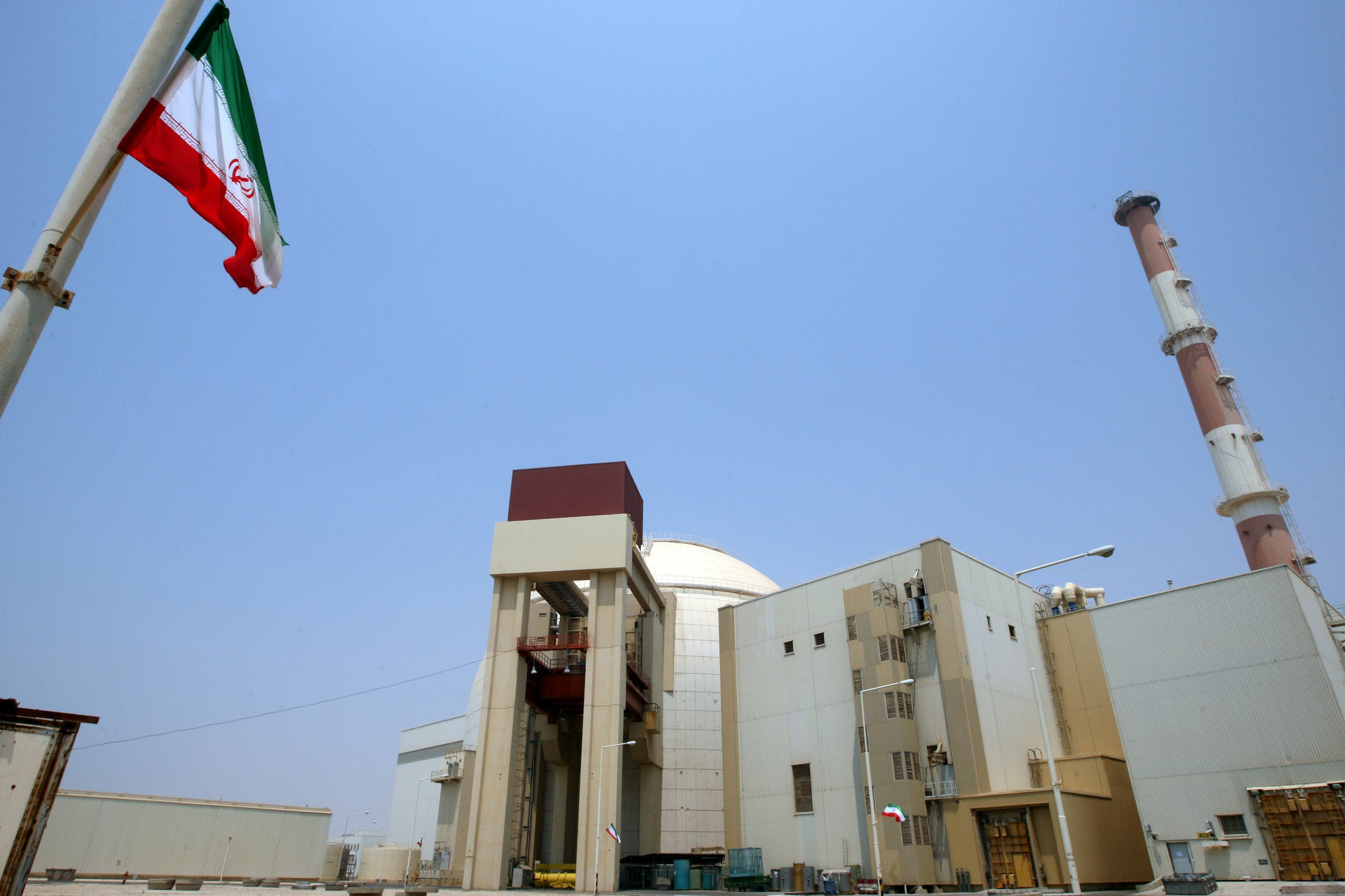 A picture shows the reactor building at the Russian-built Bushehr nuclear power plant in southern Iran on August 21, 2010 during a ceremony initiating the transfer of Russia-supplied fuel to the facility after more than three decades of delay. (AFP)