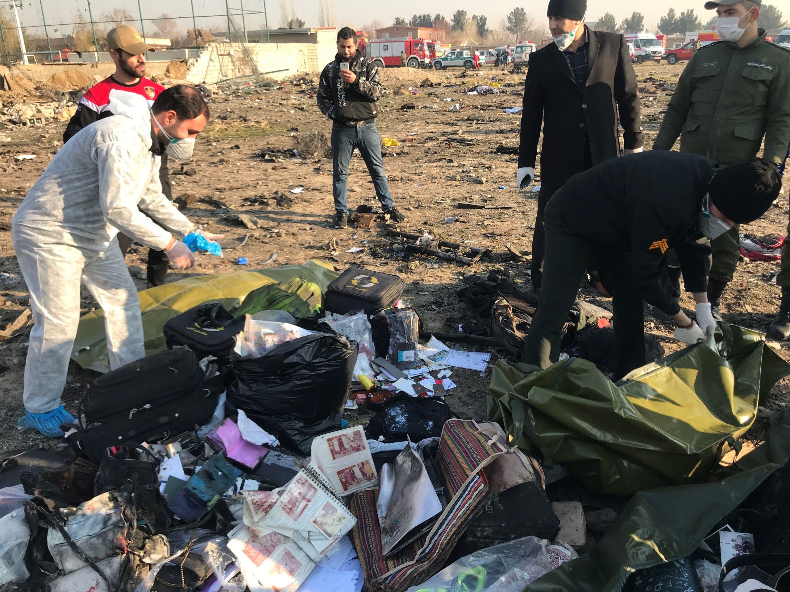 از محل سقوط هواپیمای اوکراین در تهران (بایگانی - رویترز)