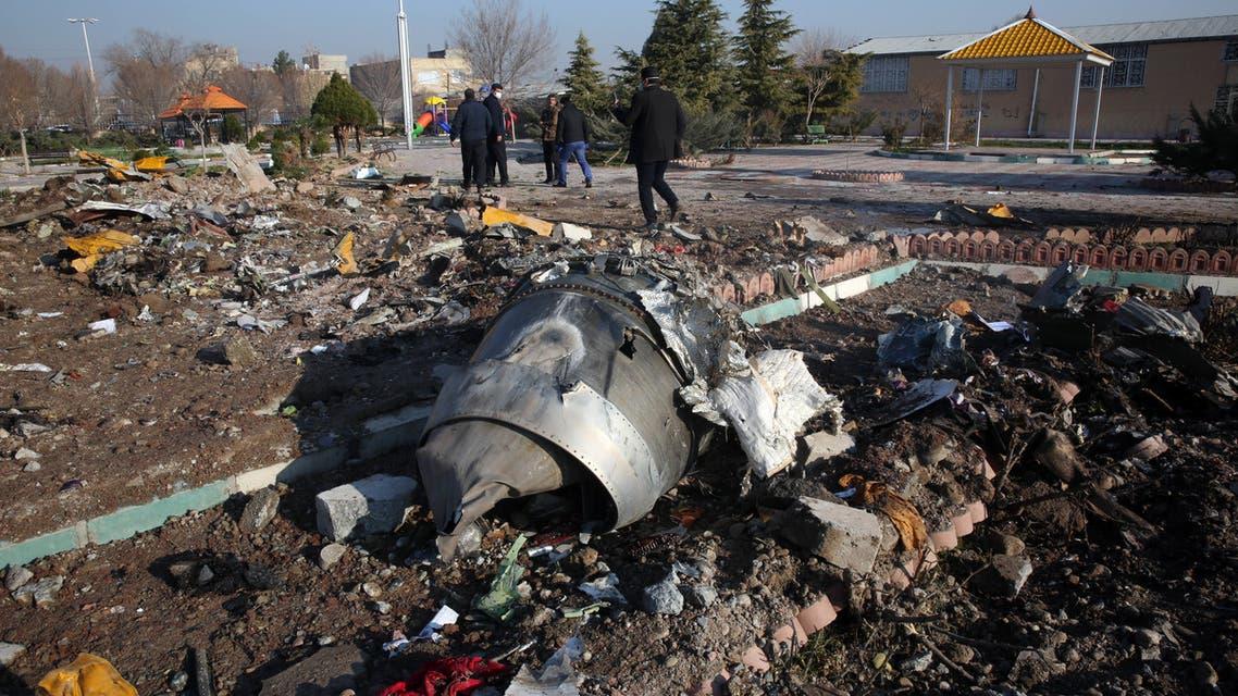 من حطام الطائرة الأوكرانية