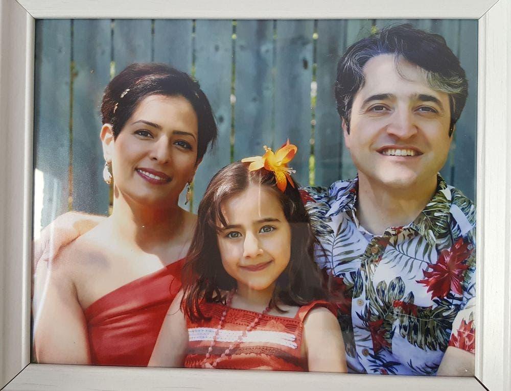 الطبيب وزوجته وابنته