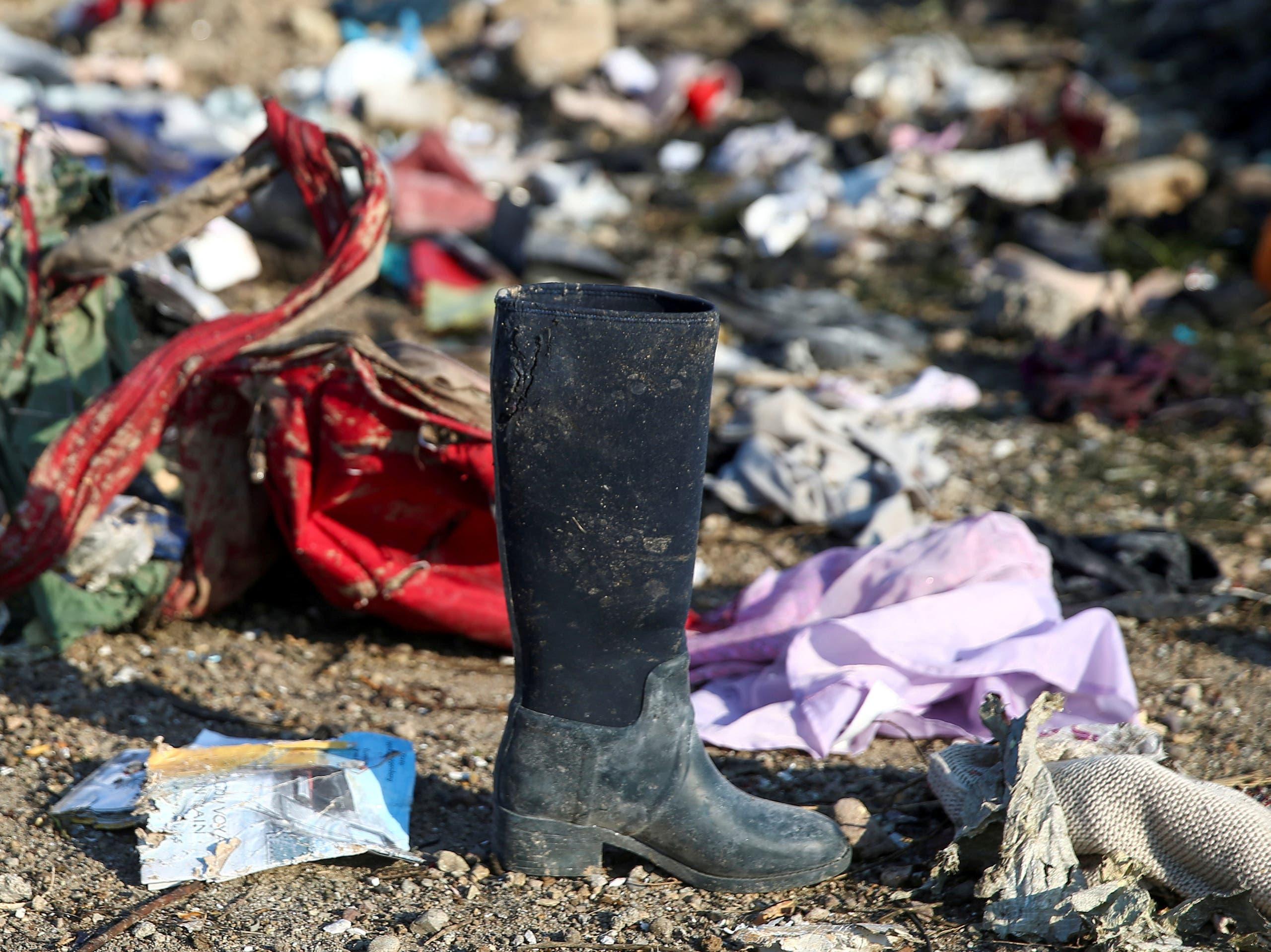 مقتنيات من موقع تحطم الطائرة الأوكرانية (فرانس برس)