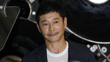 ملياردير ياباني يبحث عن شريكة إلى القمر.. فوق العشرين