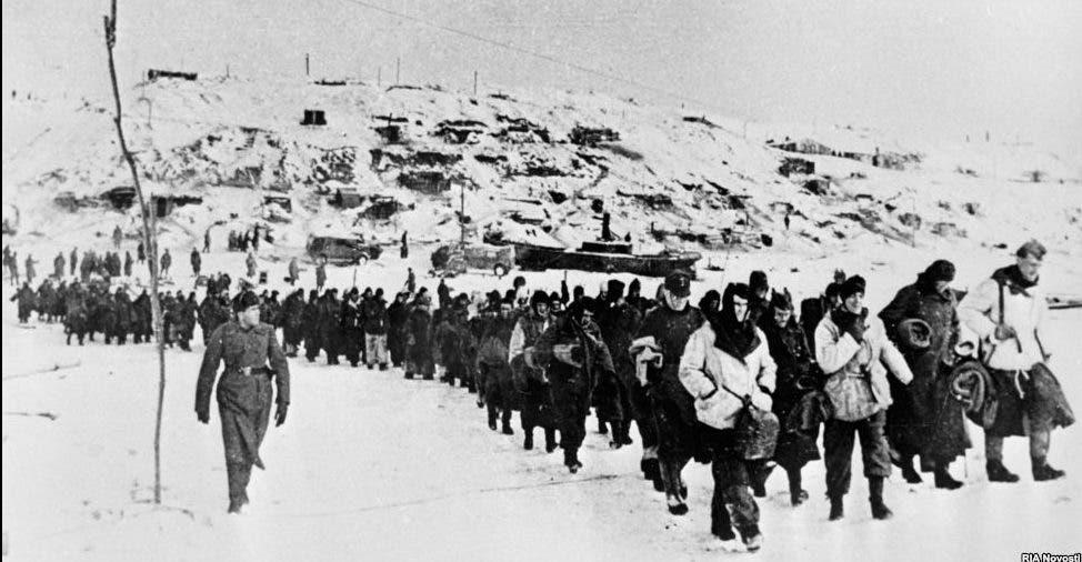 جانب من القوات الألمانية التي استسلمت في ستالينغراد