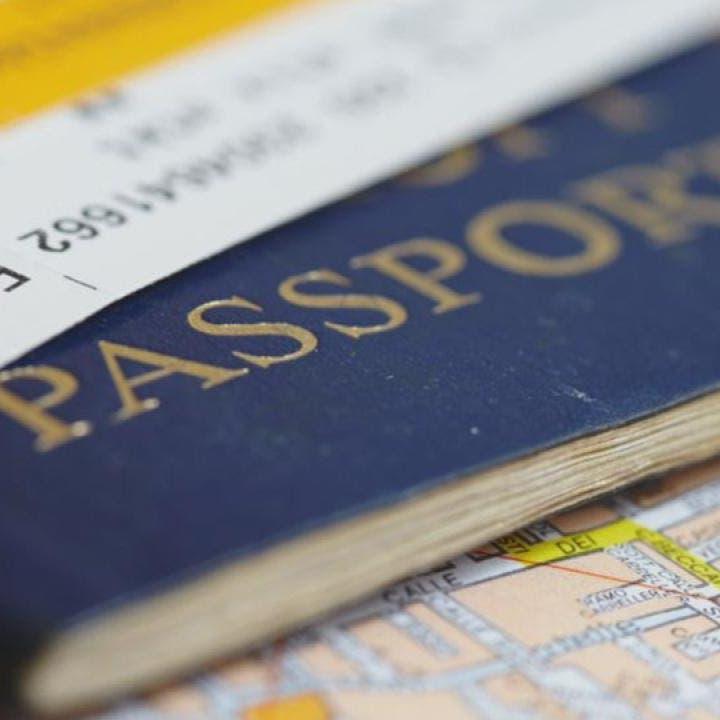 """شركات كبرى تطور """"جواز سفر كورونا"""".. وجه آخر لإجبارية التلقيح"""