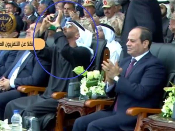 شاهد.. محمد بن زايد يصور بهاتفه مناورات لمقاتلات مصرية