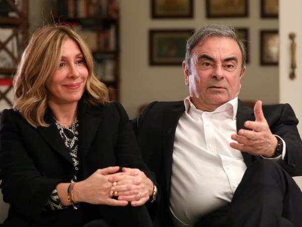 """التأم شملهما.. زوجة كارلوس غصن """"سعيدة لهروبه"""""""