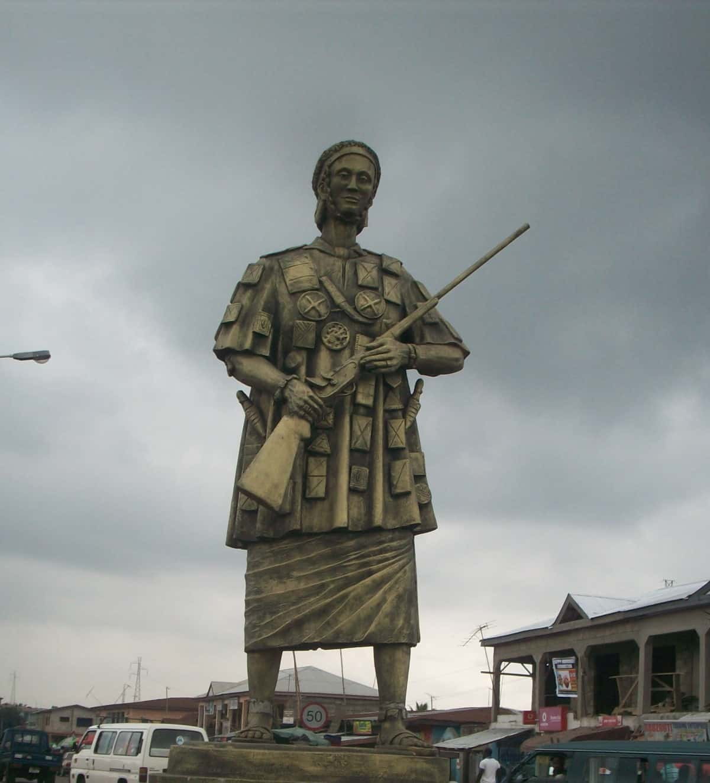 تمثال ليا أسينتيوا