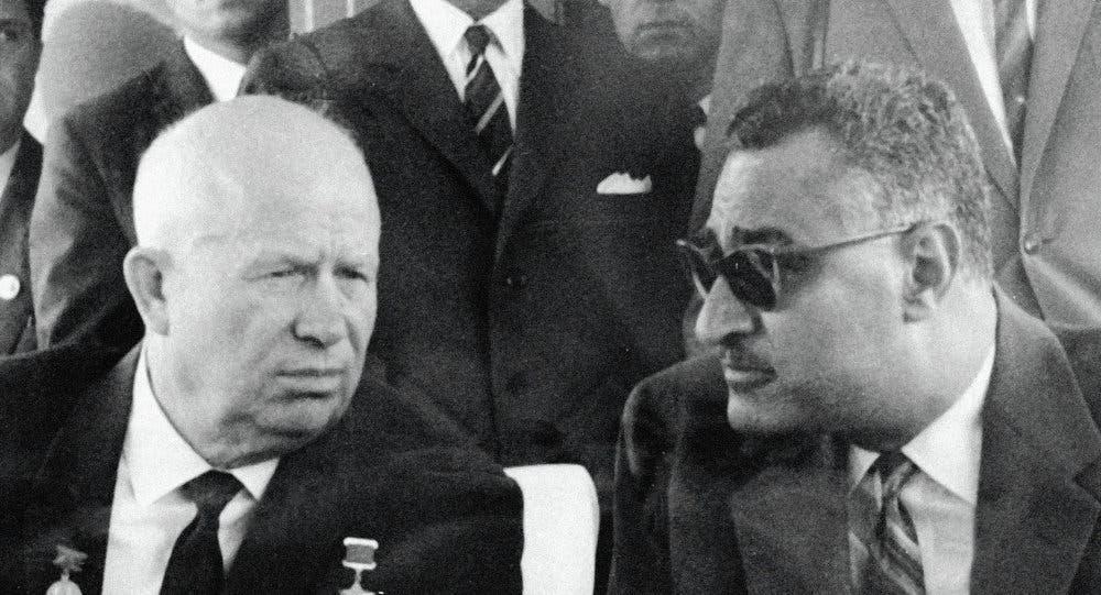 الرئيسان جمال عبدالناصر وخروشوف