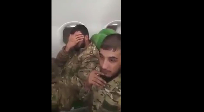مقاتلون سوريون على متن طائرة متجهة إلى طرابلس(صورة متداولة عبر مواقع التواصل)