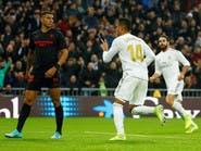 كاسيميرو يمنح ريال مدريد نقاط إشبيلية وصدارة الدوري