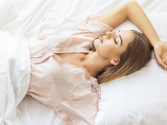 خزعبلات قبل النوم.. طبيب بريطاني يصحح المغلوط