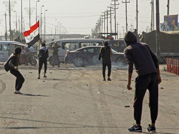 العراق.. اعتقالات وحرق خيم في البصرة
