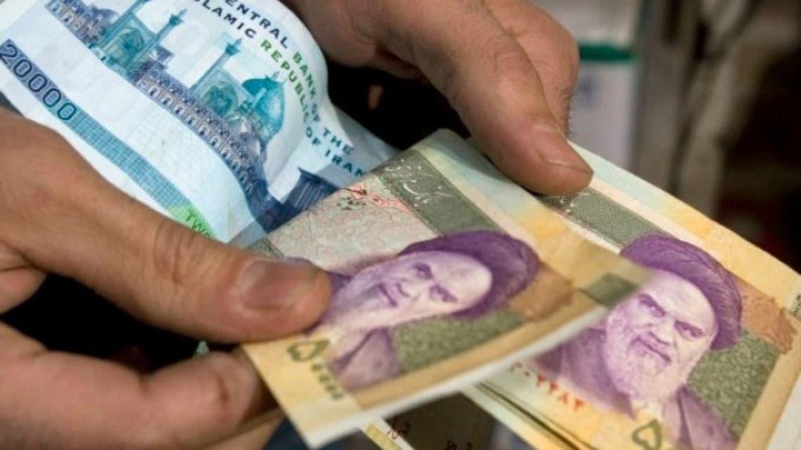 آغاز کارزار منع استفاده از پول ایران در نیمروز افغانستان: تومان ایرانی را دفن میکنیم
