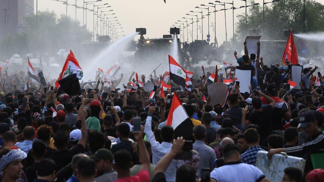 قنابل قاتلة بحجم علبة الصودا تستخدم ضد المتظاهرين في العراق