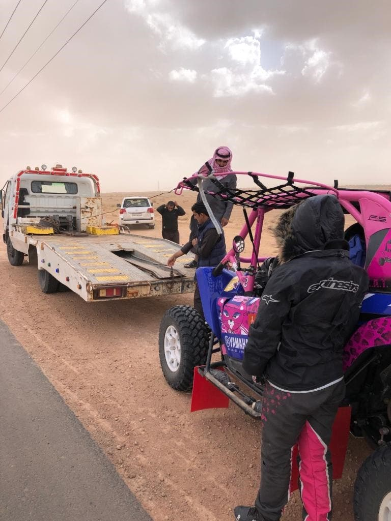 Breakdown at Dakar rally (supplied)
