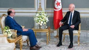 الرئيس التونسي يعين وزير المالية السابق رئيساً للحكومة