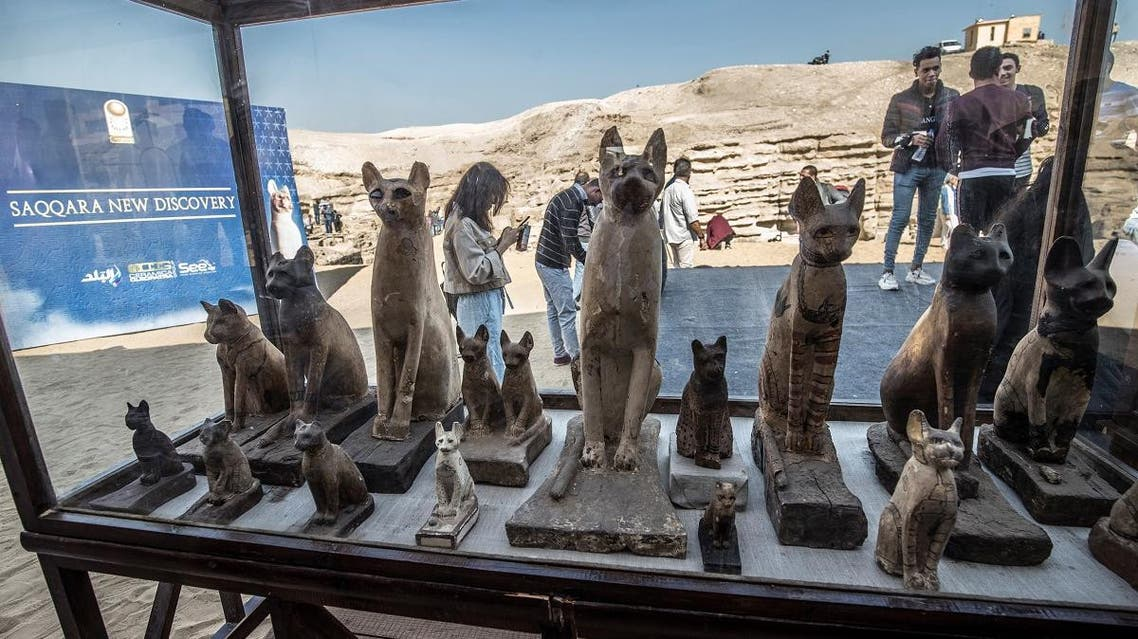Statues of cats are displayed after the announcement of a new discovery carried out by an Egyptian archaeological team in Giza's Saqqara necropolis, south of the capital Cairo, on November 23, 2019. (File photo: AFP)