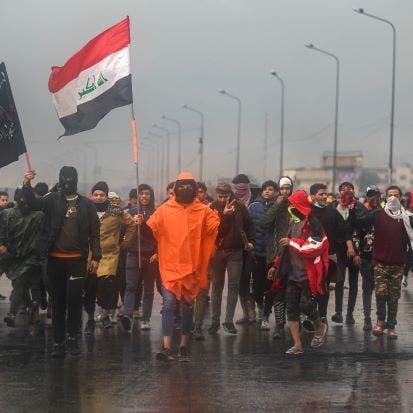 مفارقة لافتة.. فيديو لهتاف ضد إيران وسط تظاهرات الصدر