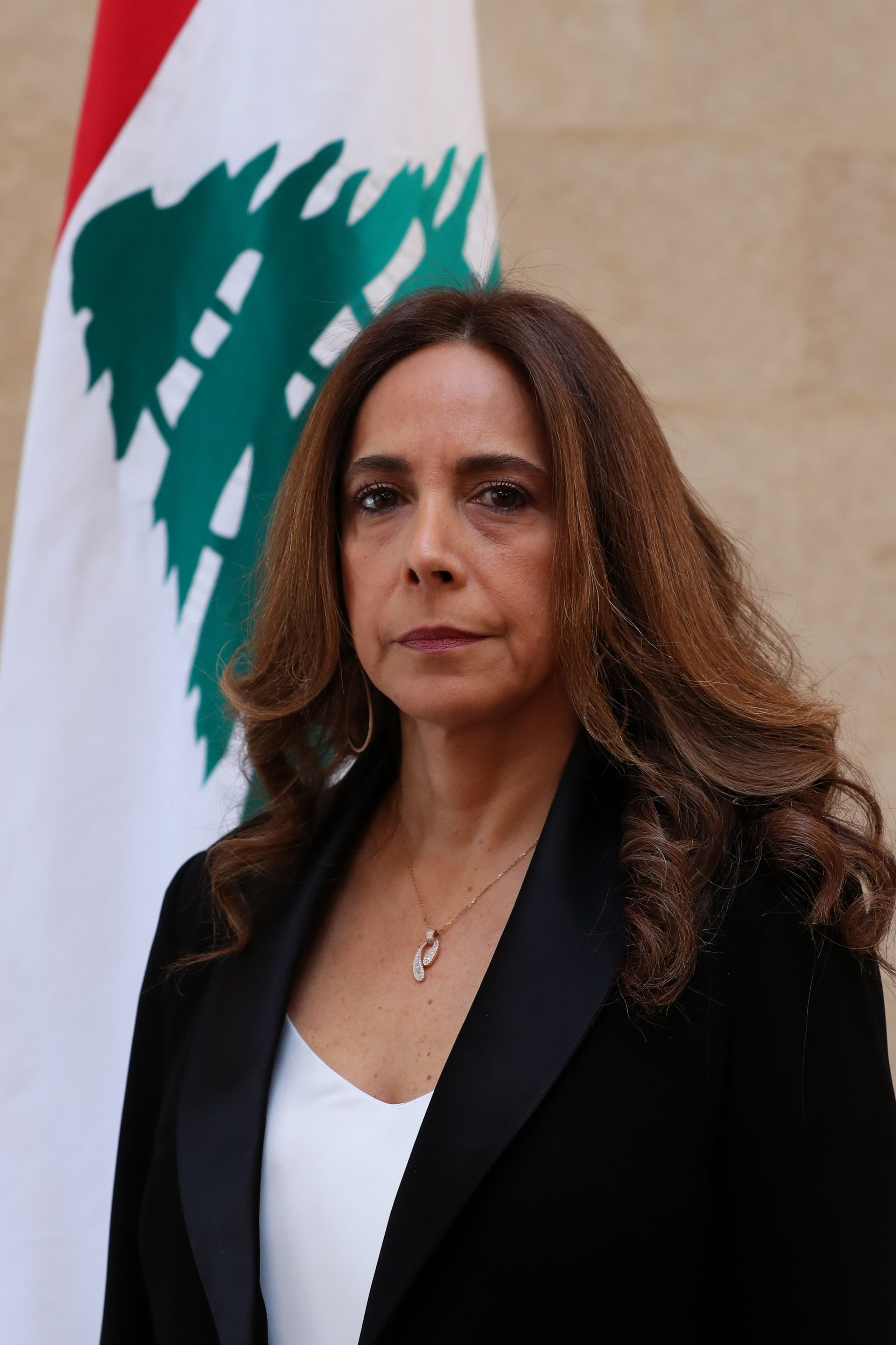 زينة عكر عدره وزيرة الدفاع اللبنانية