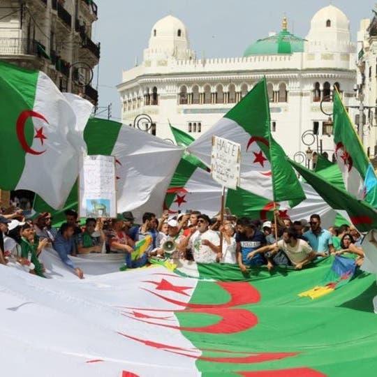مؤشر الديمقراطية:حراك الجزائر يخرجها من دائرة الاستبداد