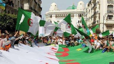 تبون يعلن 22 فبراير يوما وطنیا للحمة بین الشعب وجیشه