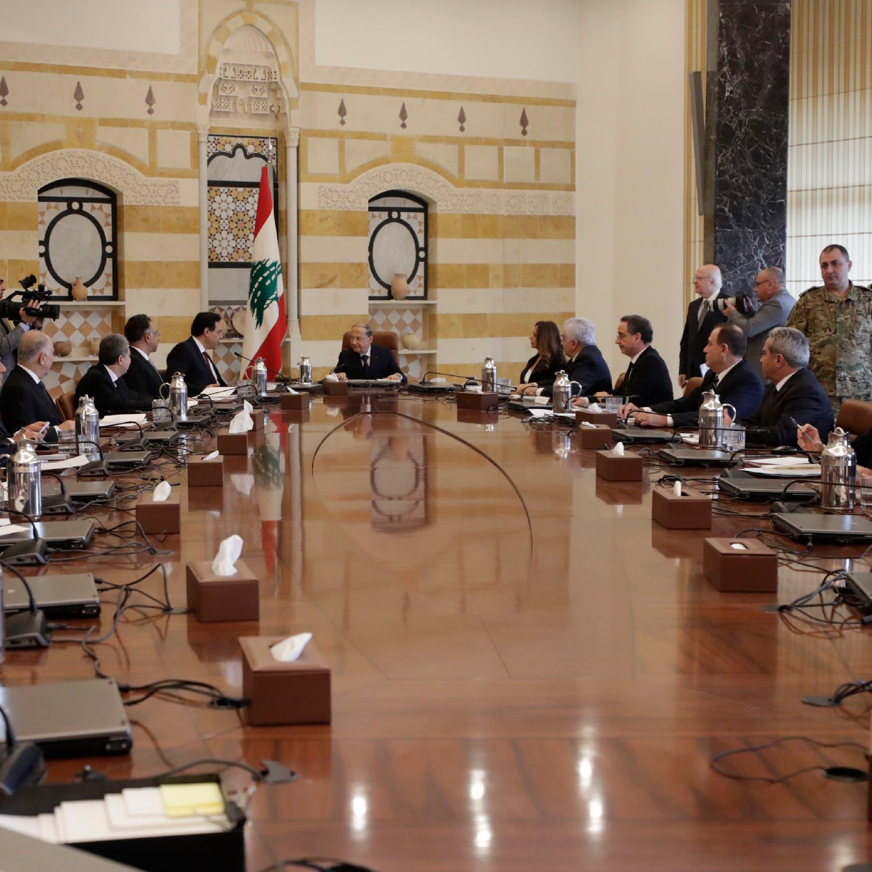 استقالات نواب ووزراء.. تفجير بيروت يصدع الحكومة والبرلمان