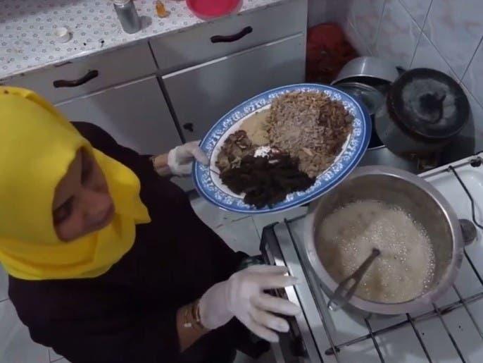 مروة السويدي.. سيدة يمنية تحدت ظروف الحرب بالاستثمار بصناعة البخور