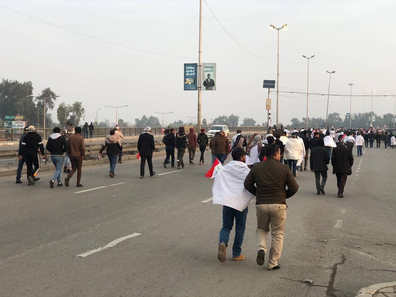 توافد أنصار الصدر باتجاه بغداد