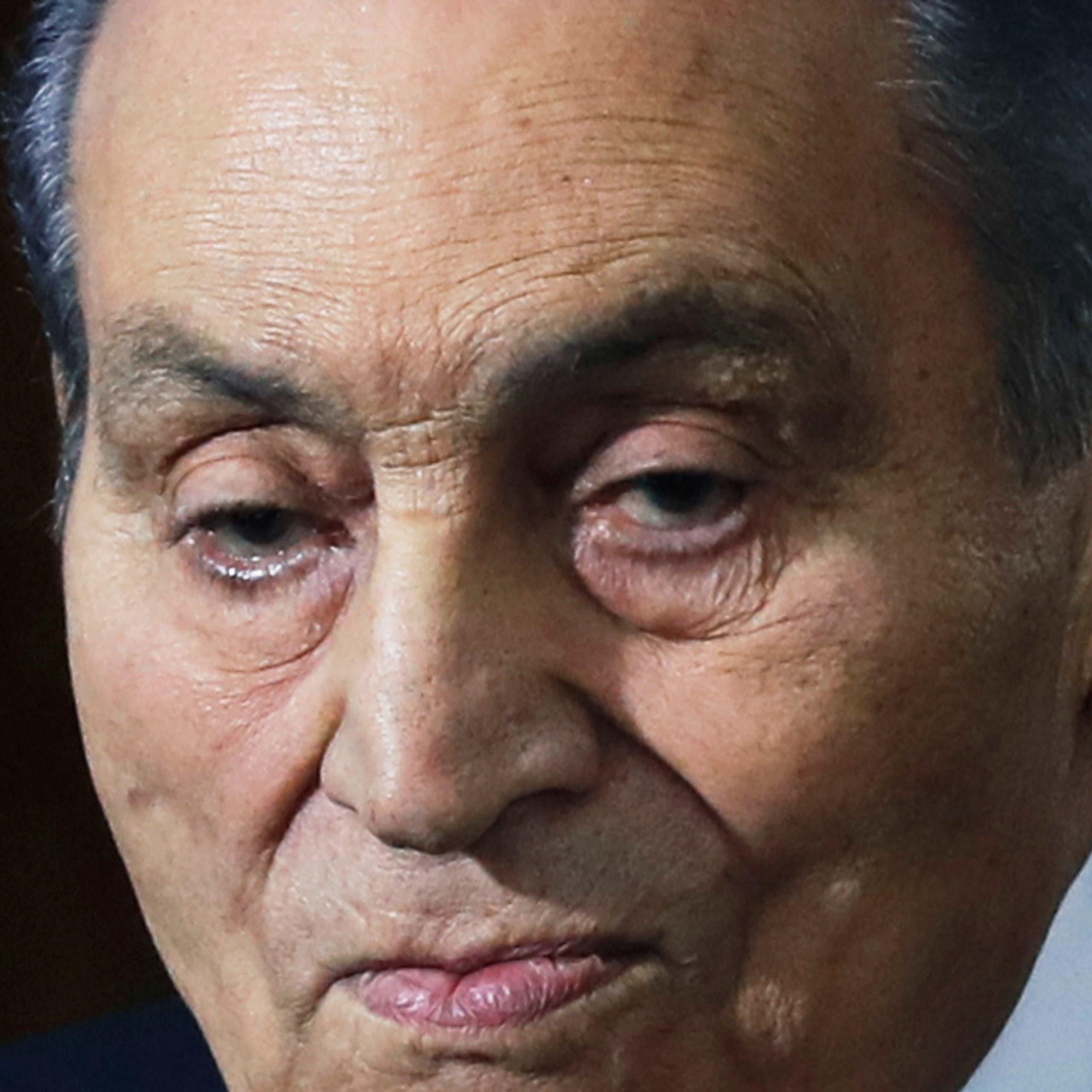 بعد جراحة دقيقة.. هذه تفاصيل حالة حسني مبارك