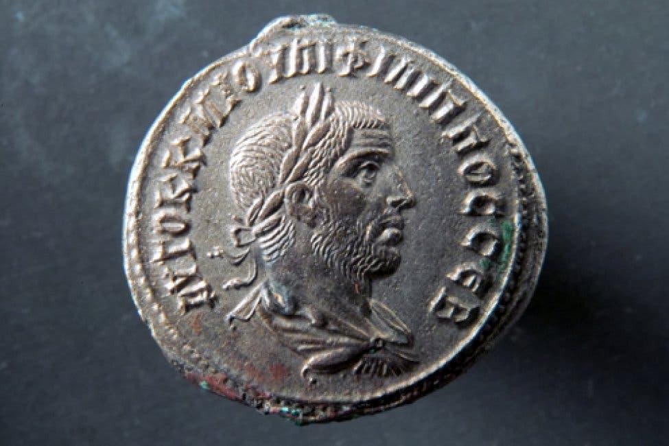 قطعة نقدية يظهر عليها الامبراطور فيليب العربي