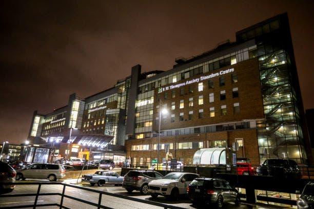 مستشفى في الصين لمعالجة ضحايا كورونا (رويترز)