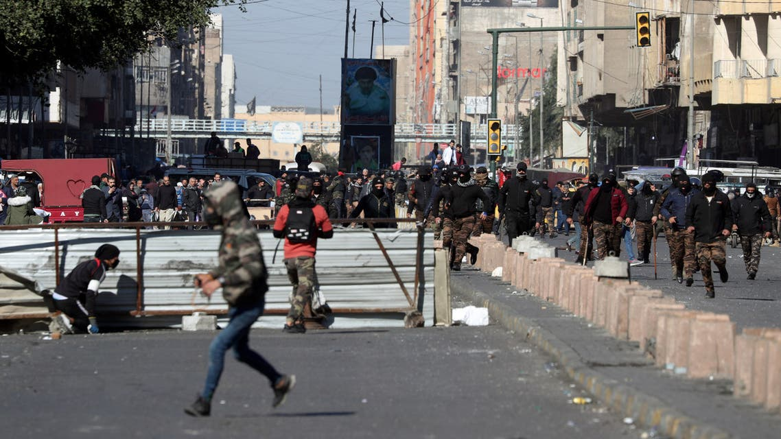 Iraqi demonstrators clash with Iraqi security forces, during ongoing anti-government protests in Baghdad, Iraq January 26, 2020. REUTERS/Thaier al-Sudani