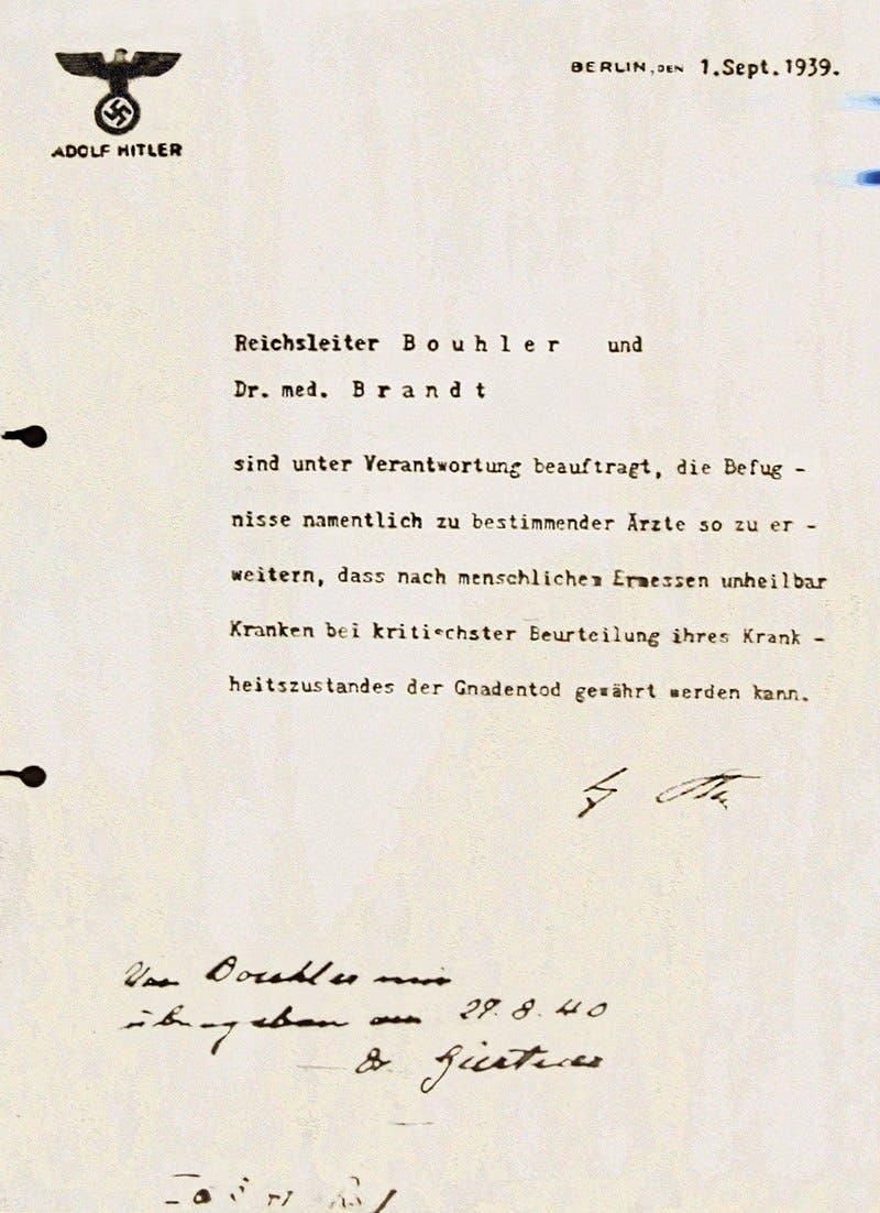 صورة لوثيقة قرار  إبادة المعوقين بألمانيا حسب أوامر أدولف هتلر