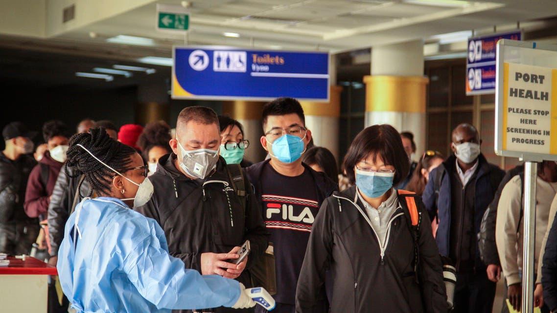 مسافرون صينيون يصلون إلى أحد مطارات كينيا - أسوشيتد برس