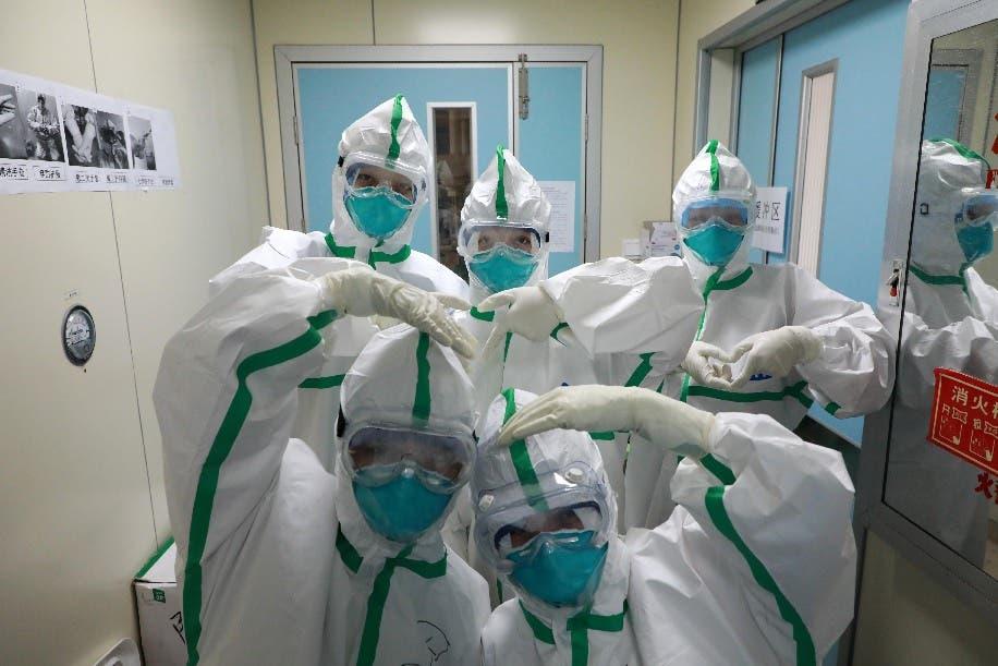 أطباء صينيون