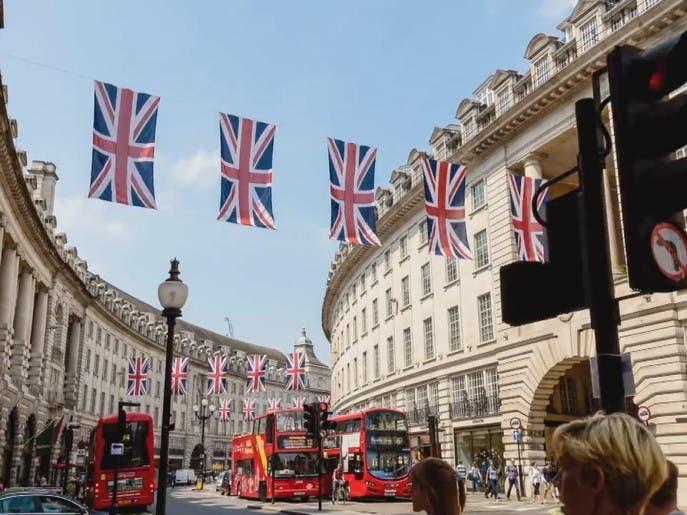 بريطانيا تتبع سياسة مختلفة لمواجهة كورونا.. فكيف استجابت الأسواق؟