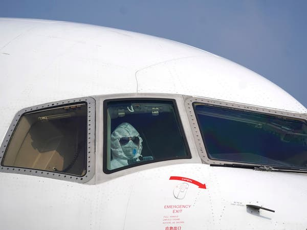 بالصور.. تدابير مشددة لطائرات تجلي رعايا من معقل كورونا