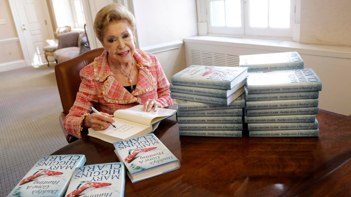 """author Mary Higgins Clark sign copies of her latest book """"Daddy's Gone A Hunting"""" at the Simon & Schuster office in New York. (AP)"""