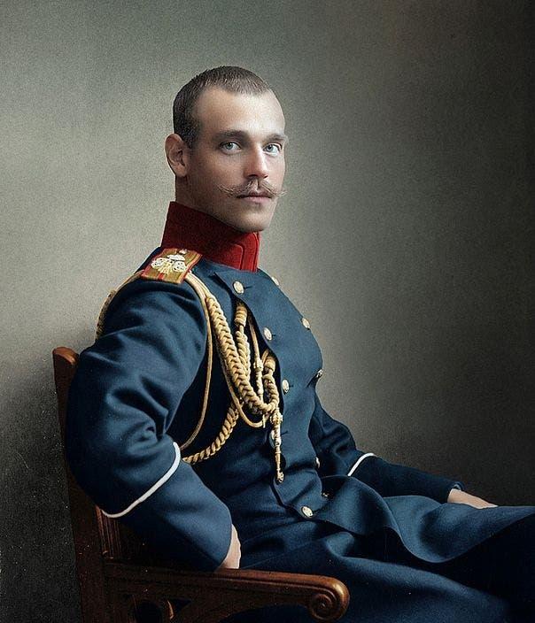 صورة ملونة اعتمادا على التقنيات الحديثة لميخائيل ألكسندروفيتش