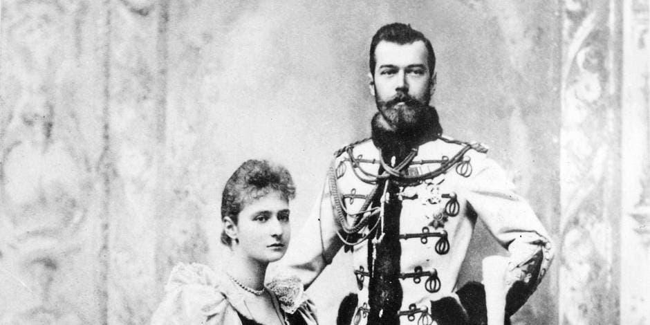 صورة للقيصر الروسي نيقولا الثاني رفقة زوجته ألكسندرا