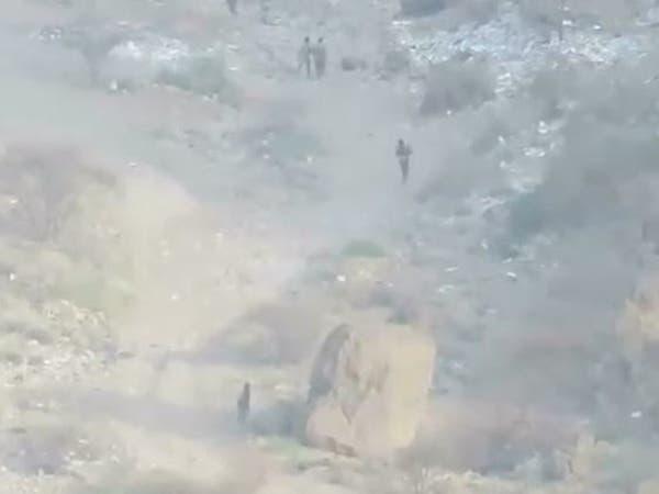 شاهد.. فرار جماعي للحوثي أمام الجيش اليمني في نهم