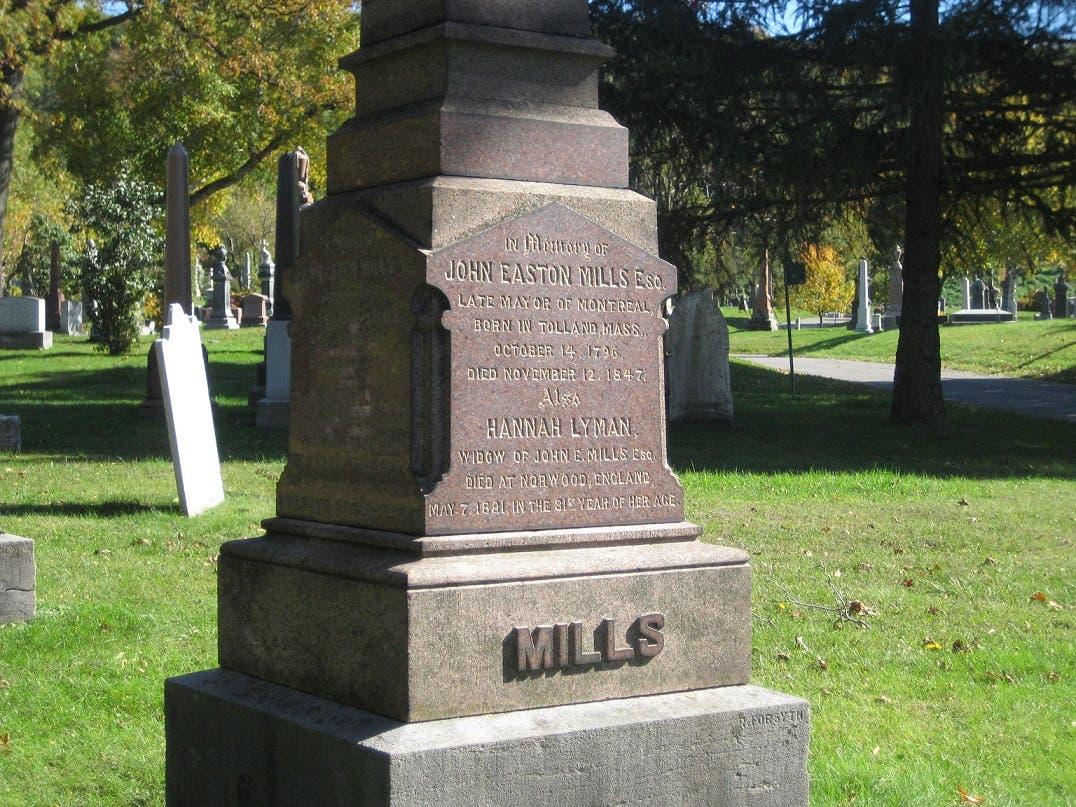 صورة لقبر عمدة مونتريال جون إيستون ميلز الذي ضحى بحياته من أجل الأيرلنديين